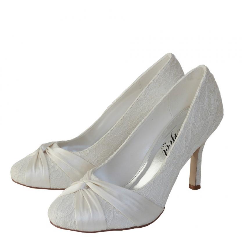 pyörekärkinen pitsi kenkä
